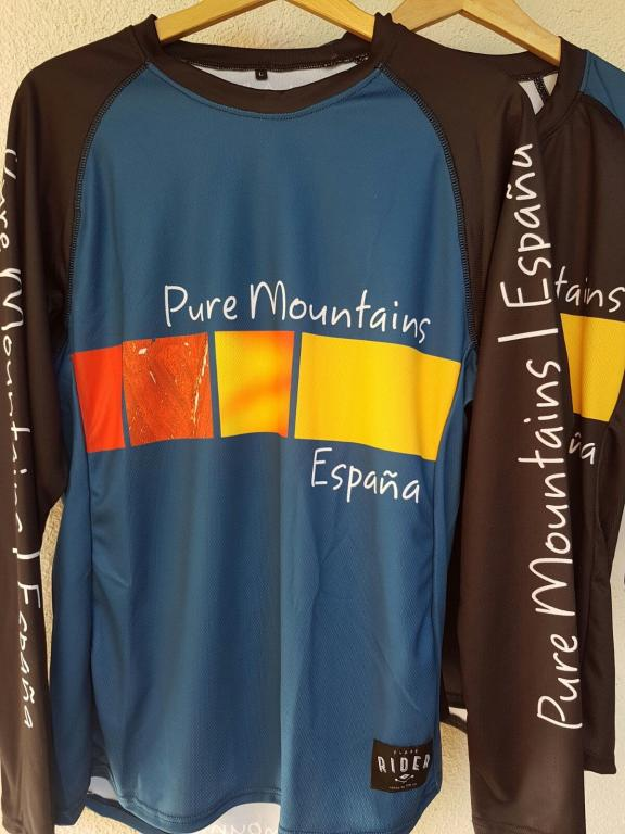 Pure Mountains Enduro Jerseys. Men's front, women's back.