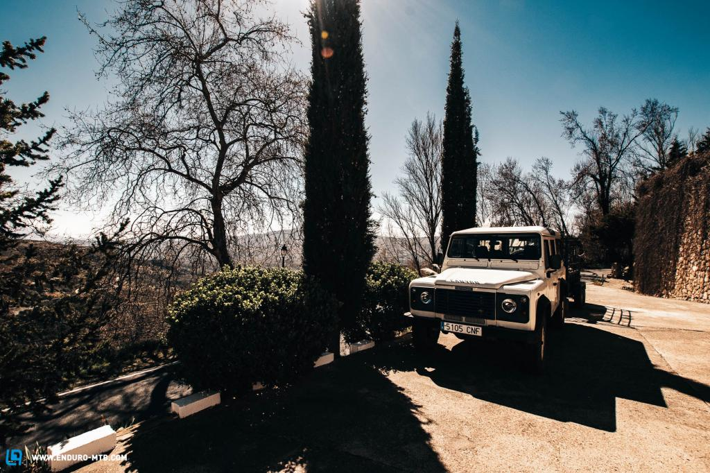 Land Rover pick-up service